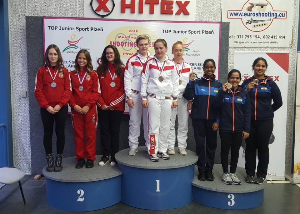Ženska juniorska reprezentacija Srbije vazdušnom puškom je osvojila srebro iza Rusije, a ispred Indije