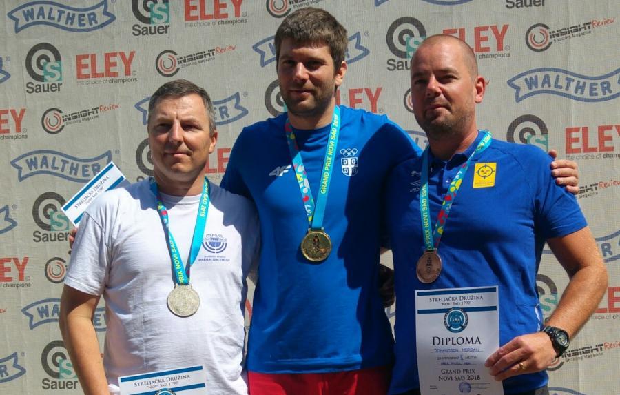 Pištolj slobodnog izbora  proglašenje i dodela medalja - Dimitrije Grgić u sredini