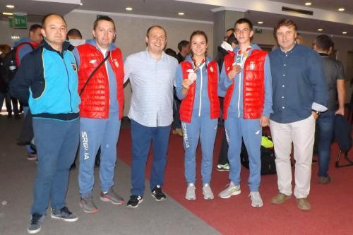 Mladi olimpijci i treneri sa predstavnicima streljačke organizacije