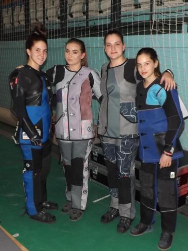 Finalistkinje nadmetanja kadetkinja puškom: Zavišić (5. mesto), Vukojević (3), Lazarević (1), Knežević (7)