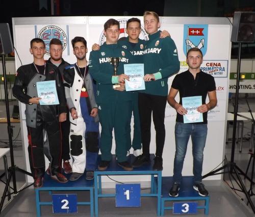 Juniori, ekipno: Srbija 1 srebro
