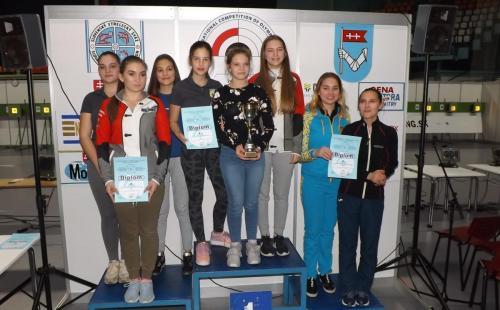 Kadetkinje ekipno: Srbija 3 zlato, Srbija 2 srebro